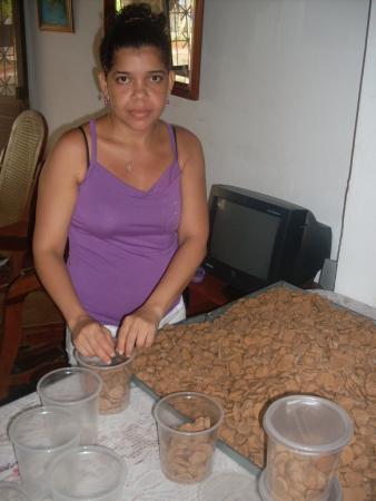 Shirley Maria