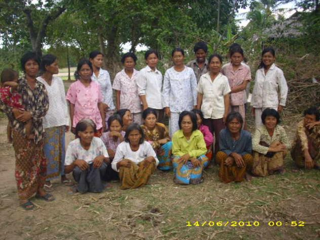 Mrs. Saly Vong Village Bank Group