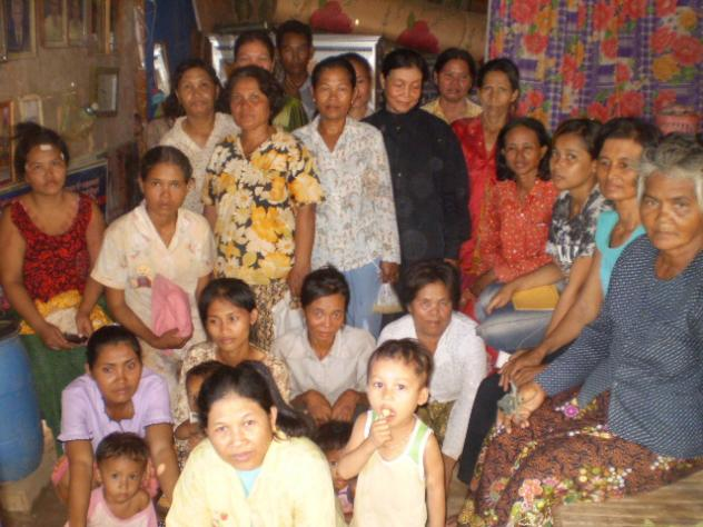 Mrs. Neang Un Village Bank Group