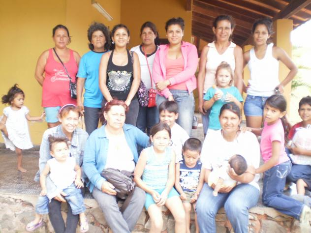 Mamas Solteras Group